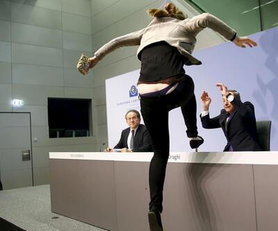 """""""Mario Draghi'nin masasına çıktım, iç çamaşırımı konuşuyorlar"""""""