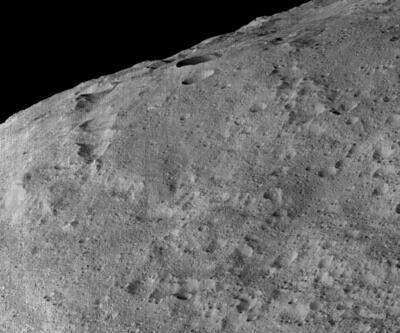 En büyük cüce gezegende buzun varlığına kanıt
