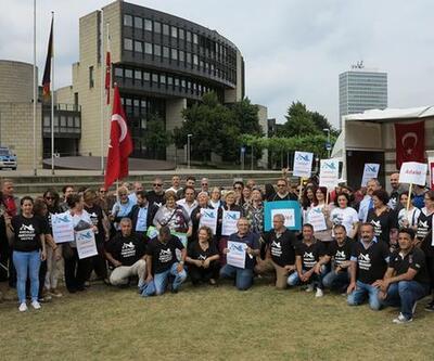 CHP Düsseldorf'ta 'adalet çadırı' kurdu