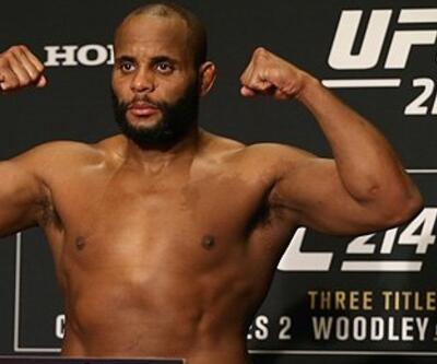 UFC 214'te tartı işlemi yapıldı / İptal edilen dövüş yok