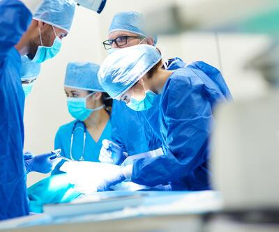 Kanser hastası kadından 10.2 kilogram tümör çıktı