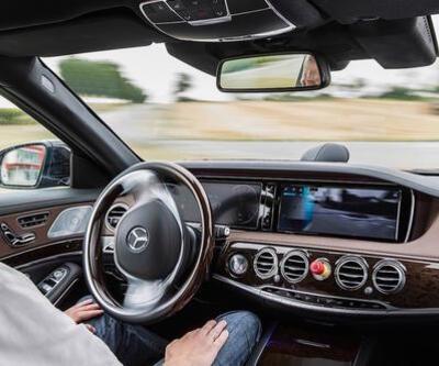 Google Asistan ile arabanızı sesli olarak kontrol edin