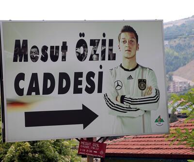 Devrek'te Alman formalı Mesut Özil tabelası değişiyor