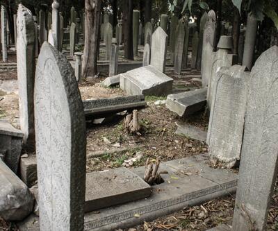 İstanbul'un tarihi mezarlığı definecilerin hedefinde