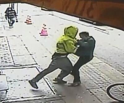 Dehşet dolu anlar: Yolda yürürken bir anda saldırdı!