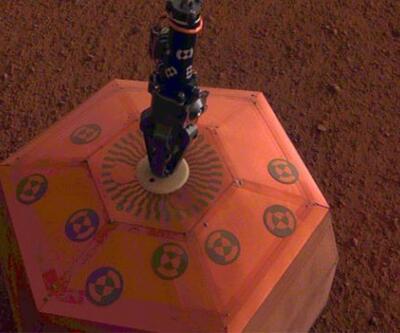 InSight, Mars yüzeyine depremölçer indirdi