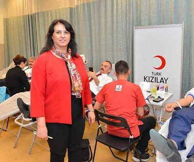 Cumhurbaşkanlığı çalışanları, Türk Kızılayının kan bağışı kampanyasına destek verdi