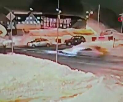Otomobil 211 kilometre hızla çatıya uçtu