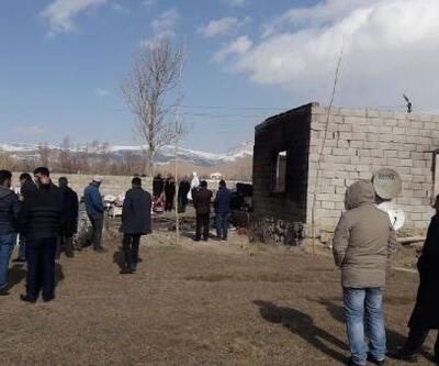 Van'da 9 çocuklu ailenin evi yandı