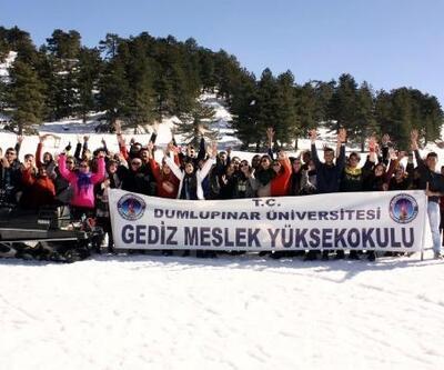 Gediz'de üniversite öğrencilerine kayak eğitimi
