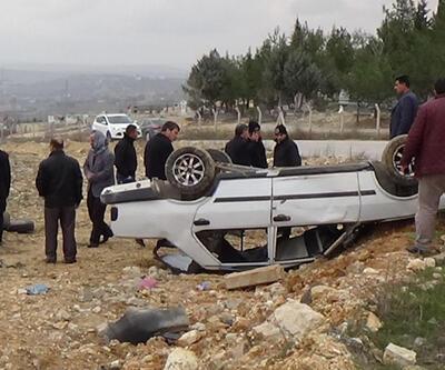 7 kişilik aile takla atan araçtan sağ kurtuldu