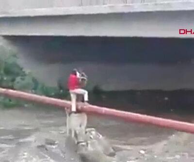 Mahsur kalan küçük çocuğu böyle kurtardı