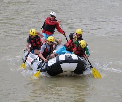 Murat Nehri'nde ilk kez rafting