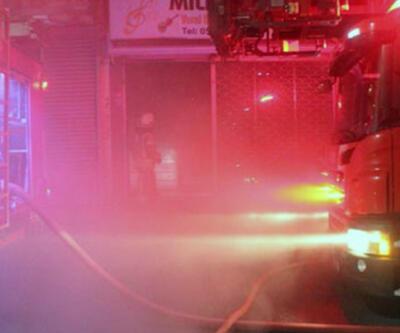 Zeytinburnu'nda bir iş yerinde korkutan yangın