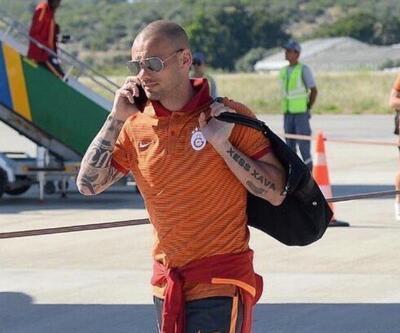 Wesley Sneijder uçağı kaçırdı