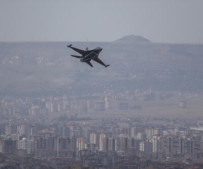 SOLOTÜRK'ten Kayseri'de gösteri uçuşu