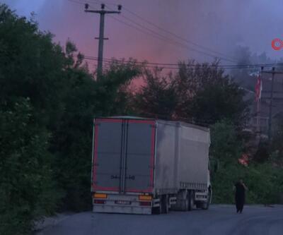 Kartepe'de pil fabrikasında yangın çıktı