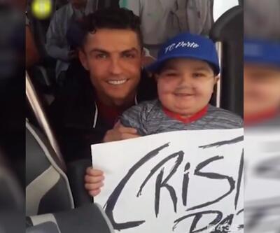 """Cristiano bana sarıl"""