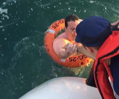 Gemlik'te denizde bulunan kişinin kurtarılma görüntüleri paylaşıldı