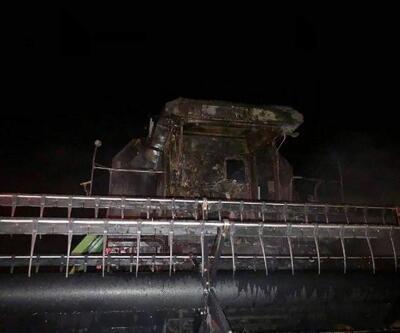Hilvan'da, hasat yapan biçerdöver çıkan yangında kül oldu