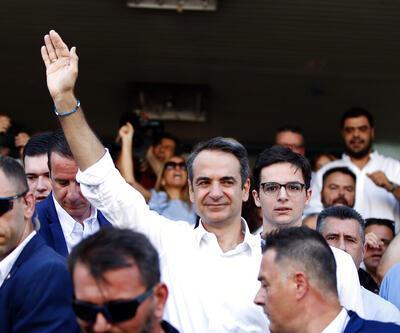 Yunanistan'da seçimin galibi Miçotakis