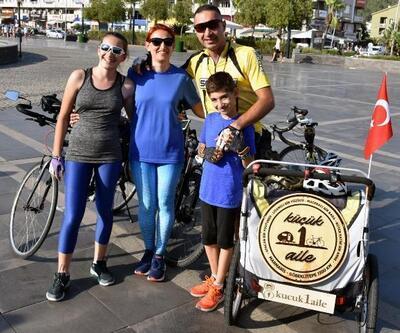 Marmarisli aile 'tarihin sıfır noktası'na bisikletle yola çıktı