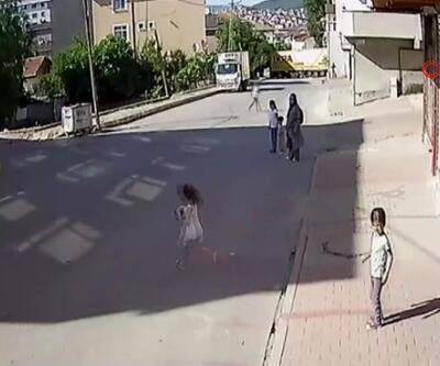 Sürücünün dikkati çocuğu kazadan kurtardı