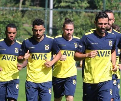 Fenerbahçe'de milliler ve yenilerden sabah antrenmanı