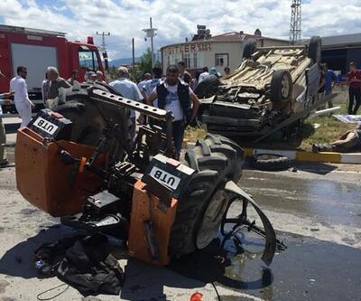 Ticari araçla traktör çarpıştı! Çok sayıda yaralı var