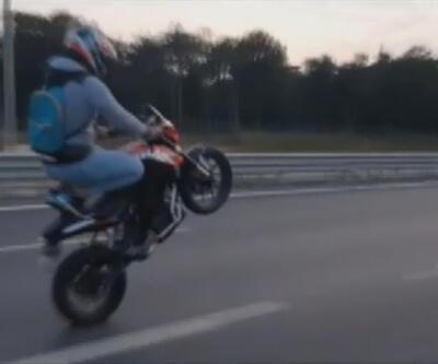 Motosikletli magandanın tehlikeli gösterisi kamerada