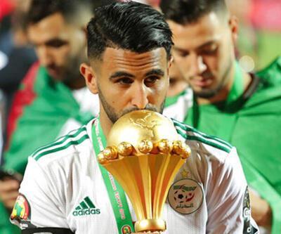 Mısır'da Cezayir Milli Takımı kaptanı hakkında suç duyurusu