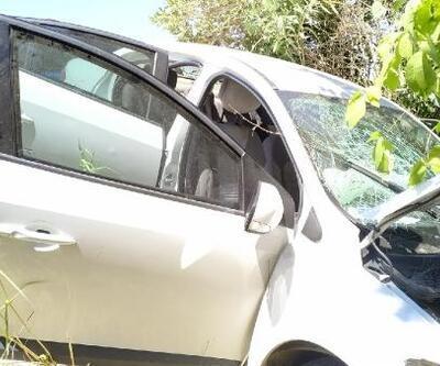 Adıyaman'da duvara çarpan otomobildeki 3 kişi yaralandı