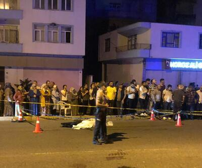 Otomobil yayalara çarptı: 2 ölü, 1 çocuk yaralı
