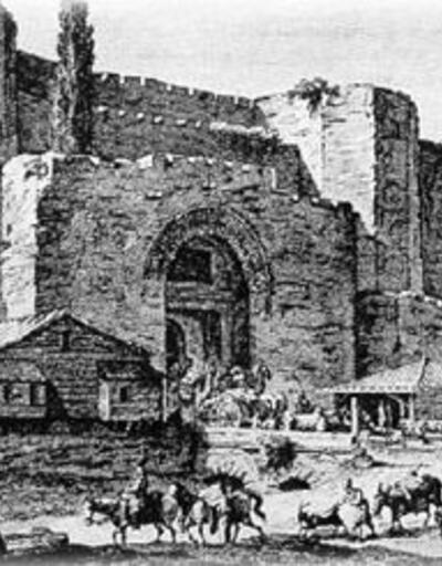 İstanbul'un sur kapıları isimlerini nereden alıyor?