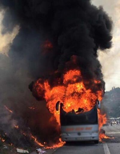 TEM'de yolcu otobüsü cayır cayır yandı