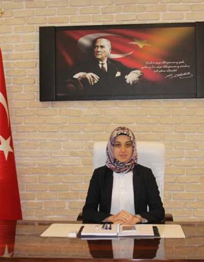 Türkiye'nin ilk başörtülü kaymakamı Eskişehir'de görevine başladı