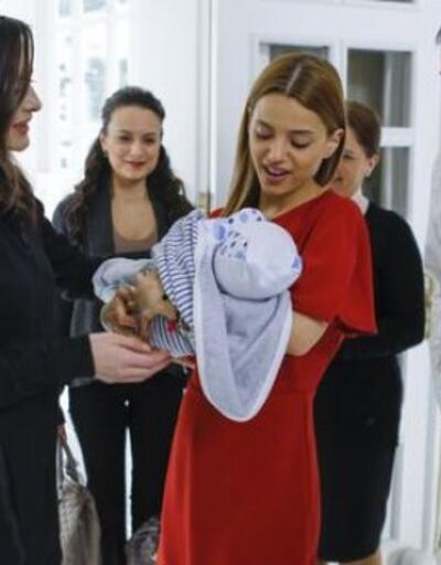 Paramparça 58. son bölümde Dilara bebeğini kucağına aldı - İzle