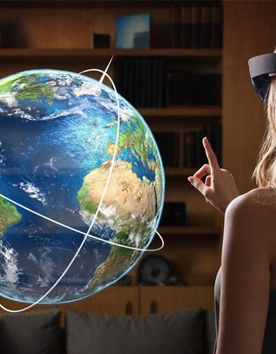 Hololens v3 2019'da satışa çıkacak