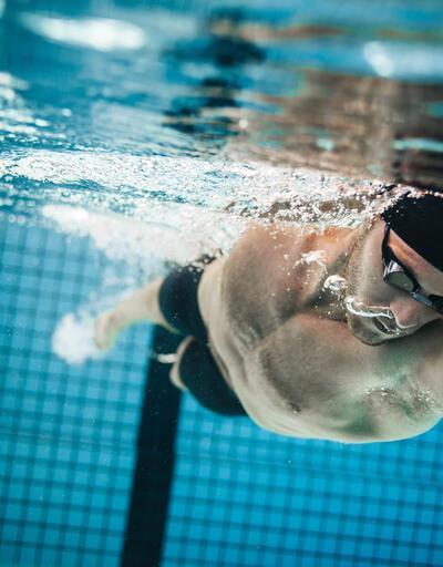 Uzmanlar uyarıyor: En pis deniz bile en temiz havuzdan daha iyi