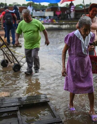 Orta Amerika'yı fırtına vurdu: 22 ölü