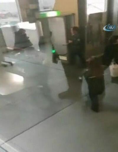 Almanya Türk yolcuları köpekle arıyor