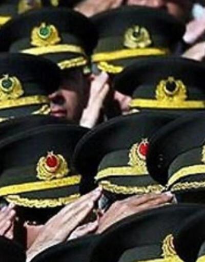 Üniformalarını geri isteyen FETÖ kumpası mağduru subaylara kötü haber