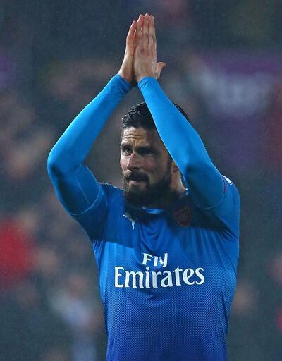 Giroud 1,5 yıllığına Chelsea'de