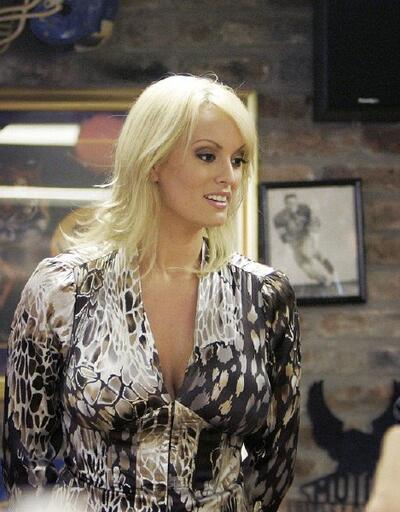Porno yıldızı Trump'a dava açmaya hazırlanıyor!