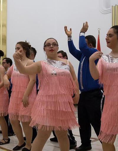 Down Sendromu Derneği ekibinden mecliste dans gösterisi