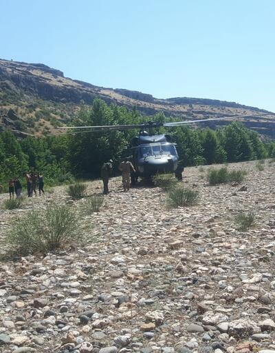 Dicle Nehri'nde mahsur kaldılar, askeri helikopter kurtardı