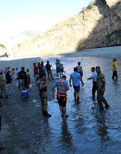 Piknik yaparken baraj kapakları açıldı, kanyonda mahsur kaldılar