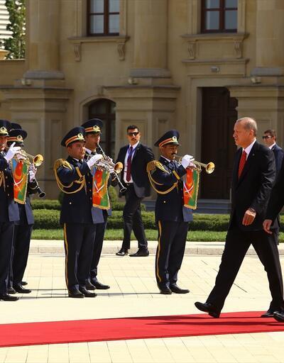 Cumhurbaşkanı Erdoğan Azerbaycan'da: Bakü'de sıcak kucaklaşma