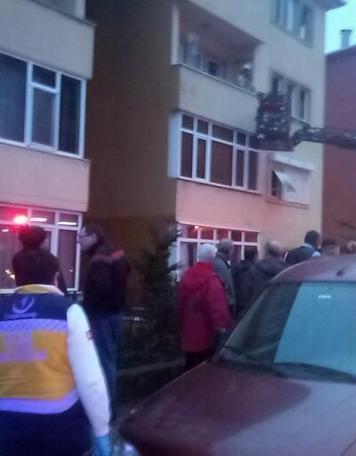 Üsküdar'da korkutan yangın: Evde mahsur kaldılar