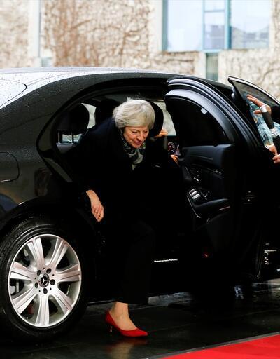 İngiltere Başbakanı May için kader oylaması